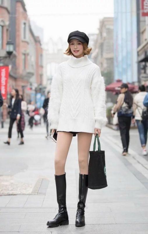 12月街拍:美女们冬日里的毛衣穿搭